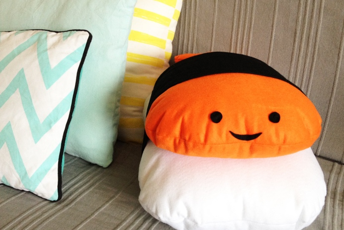 sushis pillow DIY